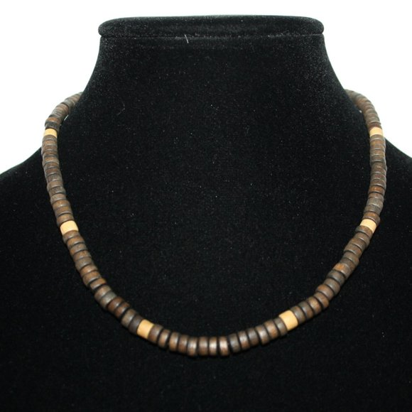 """Beautiful wooden vintage necklace 18"""""""